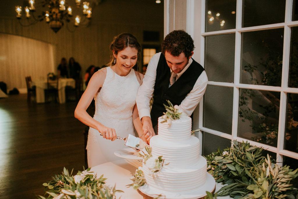 Wedding at The Lodge at Malibou cake cut